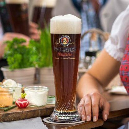 Paulaner Dunkel cerveza oscura vaso